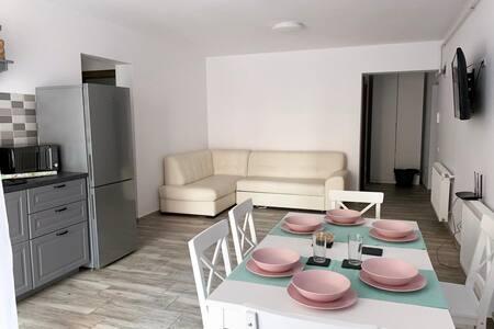 Whitemoon Apartment Euforia