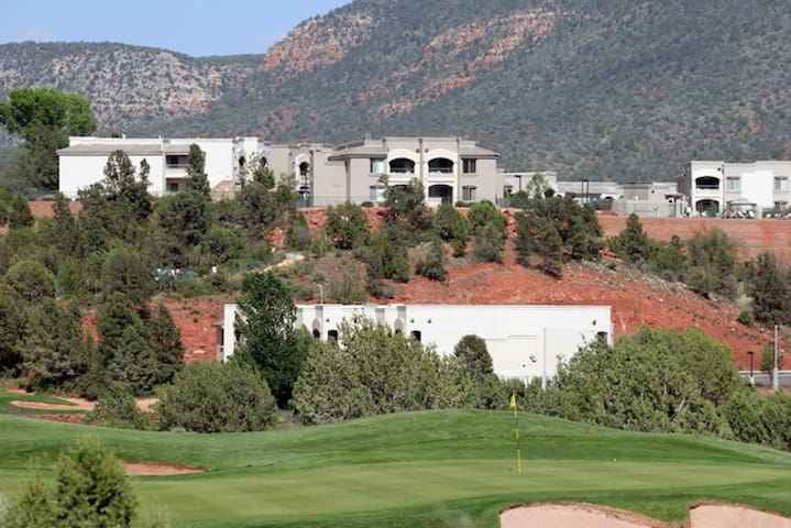 Ridge on Sedona Golf Resort- 1 bedroom condo!