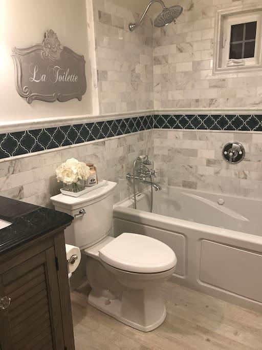 Front cottage full bath w jacuzzi tub  (newly remodeled)