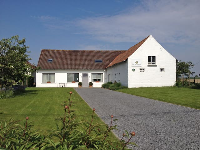 Countryside Cottage : 7 to 9 hosts - Tournai - Дом
