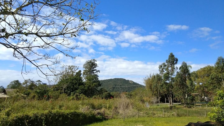 Hostel Guarda do Embaú. Tranquilidade e natureza!!