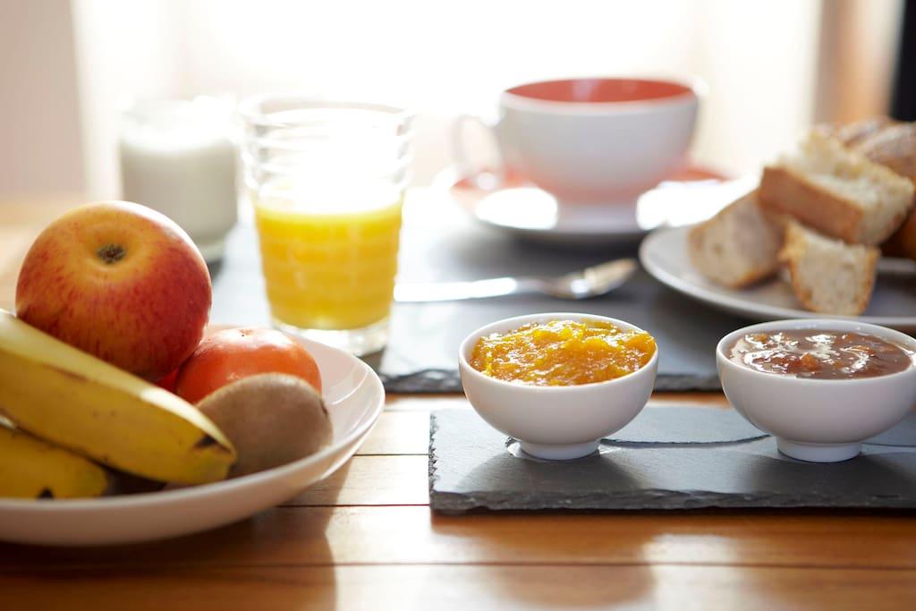 Petit-déjeuner compris dans le prix de la chambre