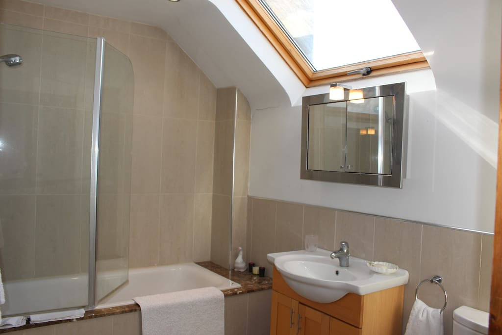 Ensuite exclusive to the top room