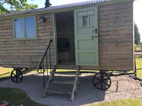 Birchwood house farm, Shepherds hut, Nr Romsey,
