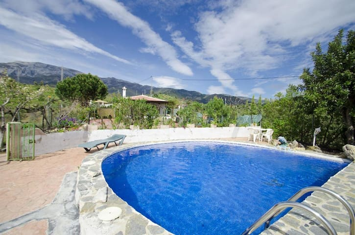 House - 30 km from the beach - Sedella