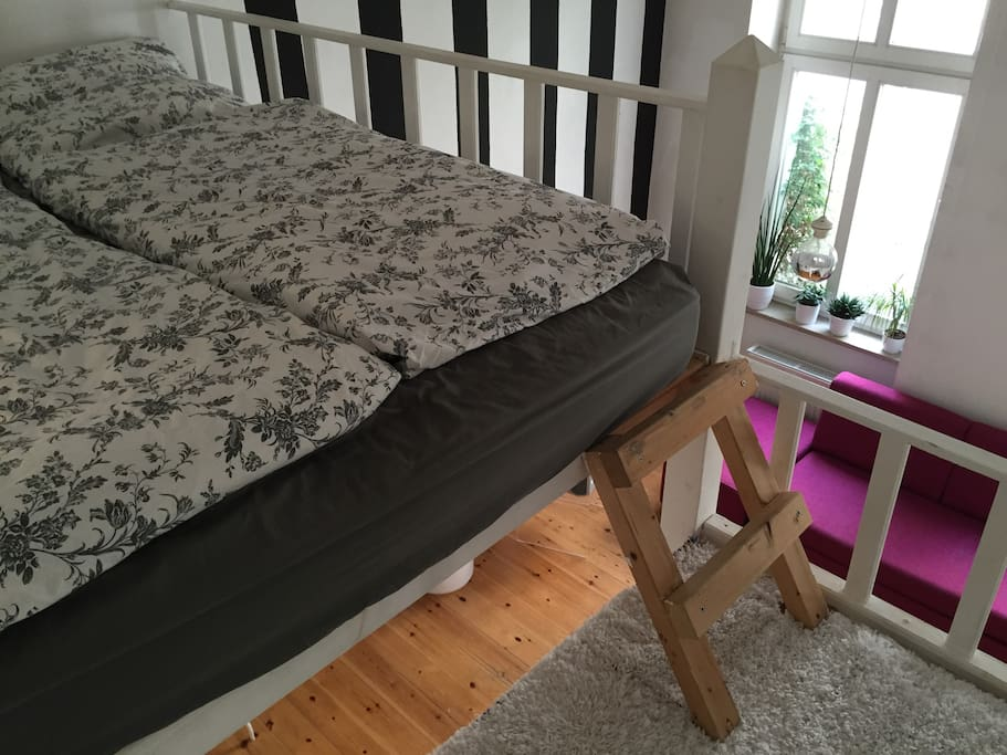 loft-bed for 2 and a lot of space