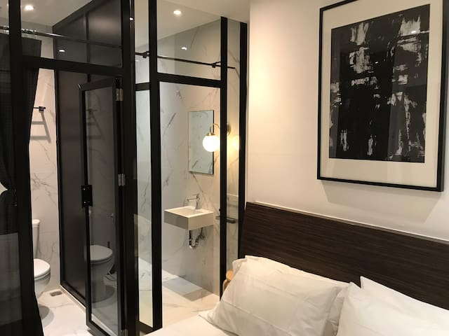 -1Night/2 to 5 guest/TOP LOCATION(GRAND INDONESIA)