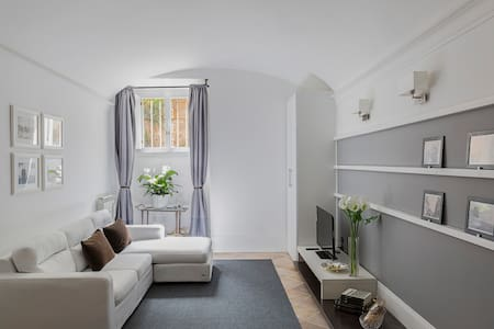 Elegant guest house close to Metro - Rom - Wohnung