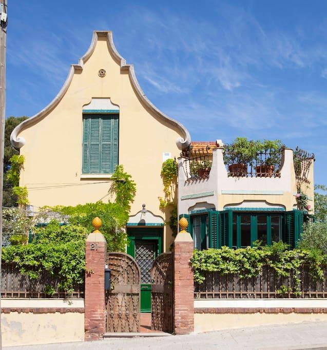 modernist family house maisons louer barcelone catalunya espagne. Black Bedroom Furniture Sets. Home Design Ideas