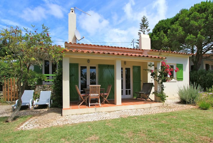 Charming cottage near Ericeira