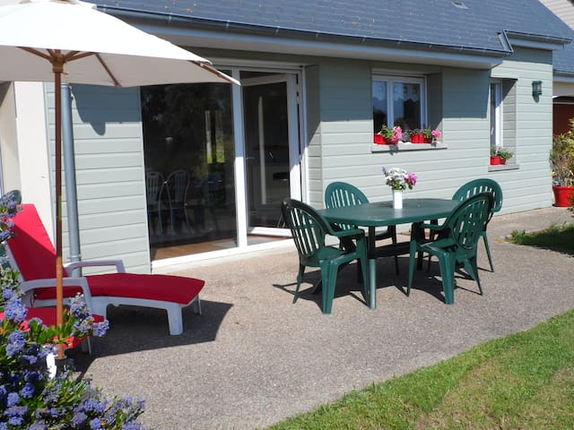 cottage proche de la mer en Normandie - Portbail - House