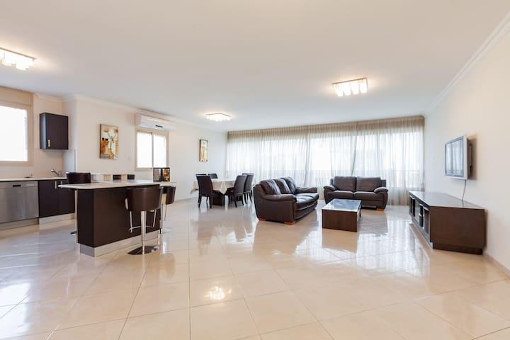 Netanya,beautiful apartment ,dizengof - Netanya - Flat
