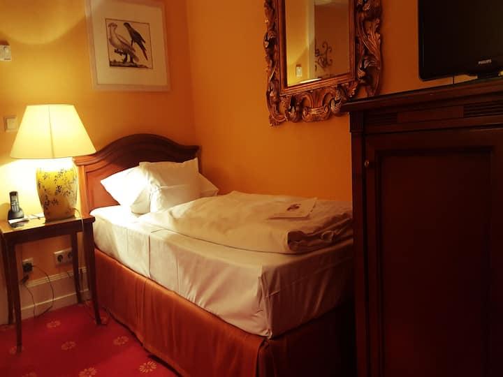 Atlantic Parkhotel, (Baden-Baden), Superior Einzelzimmer zur Alleeseite