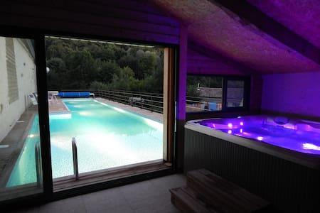 Maison Gite Villa 2/4 pers Piscine chauffée Spa - Saint-Martin-de-Saint-Maixent