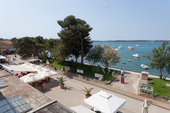 App 20m to sea with Brioni wiew! - Fažana - Apartamento