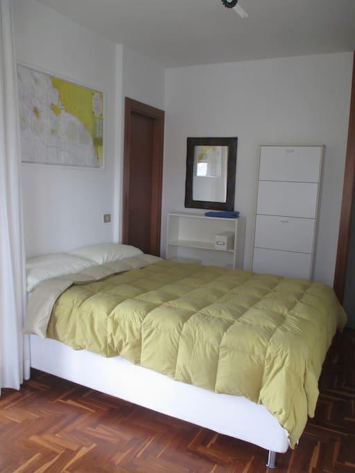 camera privata con ampio terrazzo