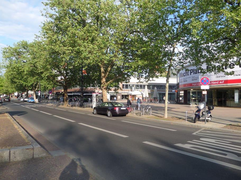 Kurfürstendamm vers Adenauer Platz