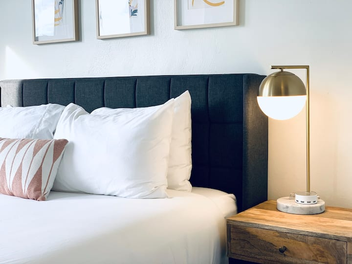 ⭐ SKIP THE HOTEL ⭐ 50% OFF FOR HEALTHCARE WORKERS ⭐ WiFi + In-unit WD + Smart TV ⭐