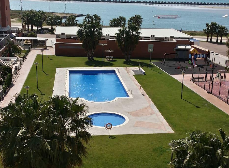 Apartamento frente al mar cubelles apartamentos en for Pisos alquiler cubelles