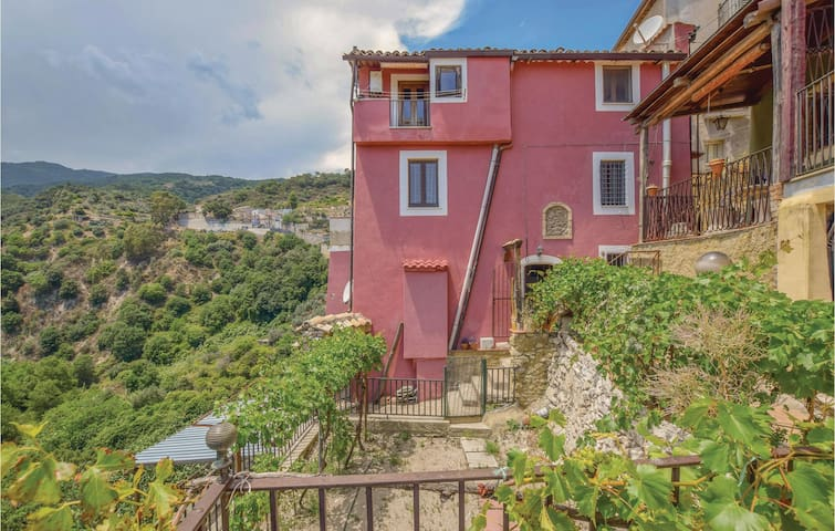 Holiday apartment with 1 bedroom on 52m² in Isca sullo Ionio
