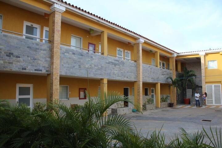Alquiler Tucacas Morrocoy La Isla #01