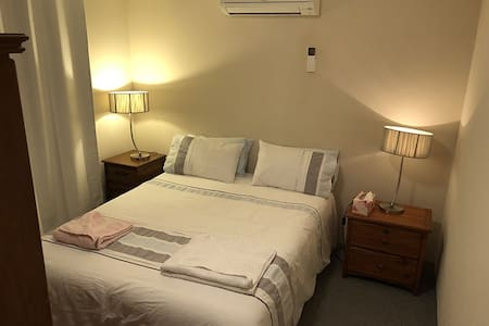 Comfortable hideaway- (G/F)Very close to airport