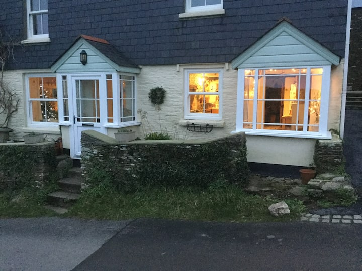 Lovely trad. Devon cottage in the rural South Hams