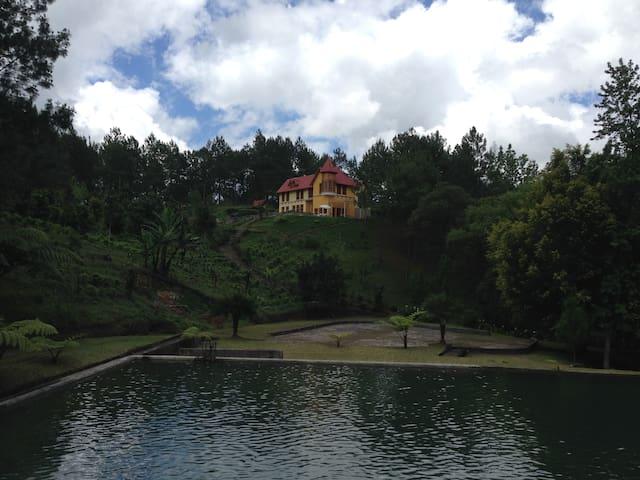 Casa con laguna privada