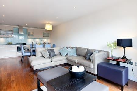 Still Life Barbican Two Bedroom Apartment - A