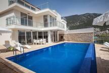 Villa Erine -3 bedroom with amazing sea views