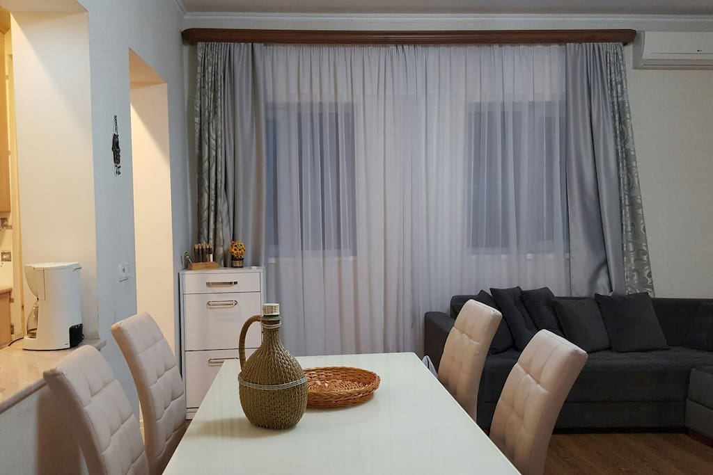 Apartment gayana maisons louer tbilisi tbilisi g orgie for Canape tbilisi