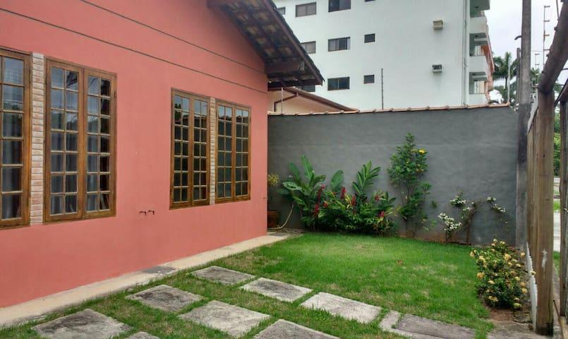Ótima casa no Itaguá