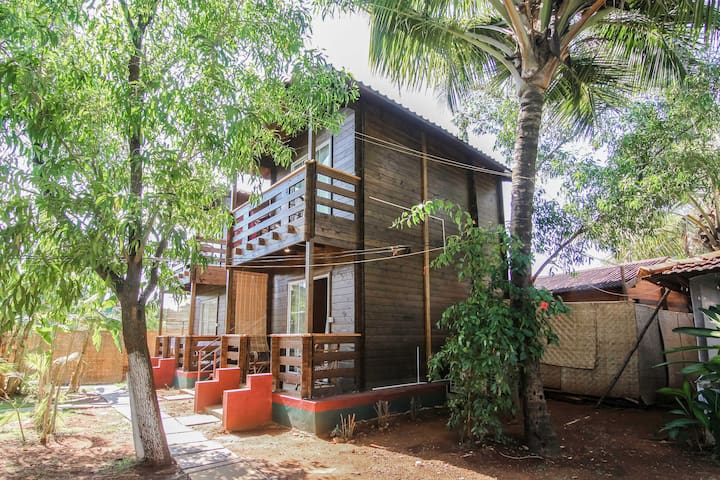 1Duplex Wooden Cottage & Yoga Shalla in Ashvem
