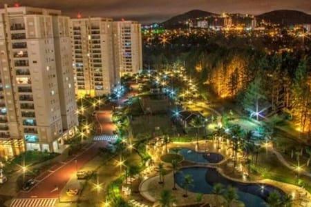 Lugar incrível em AlphaVille - SP - Santana de Parnaíba - Kondominium