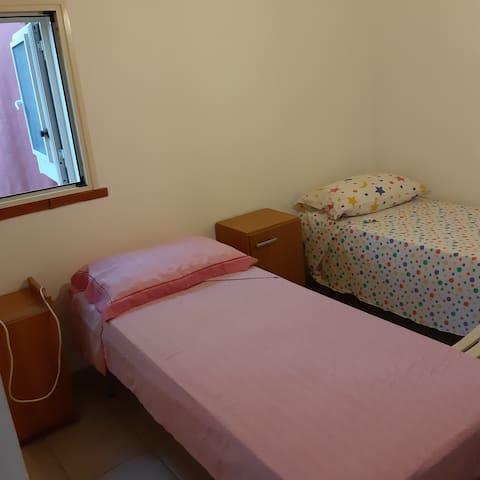 Camera letto con due singoli