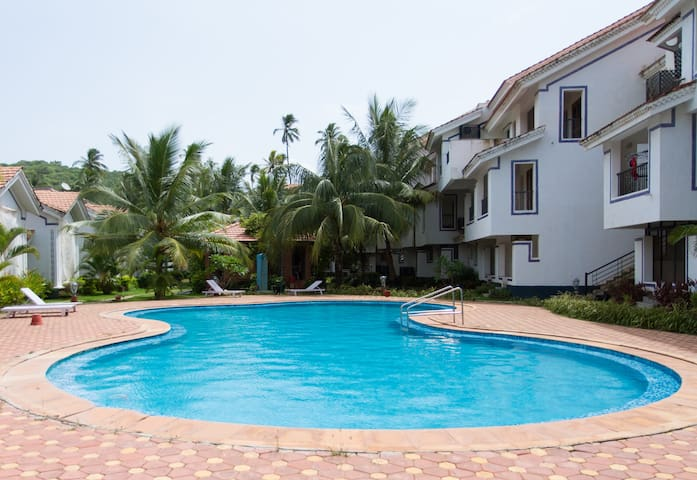 Pool view 1BHK apartment near Baga