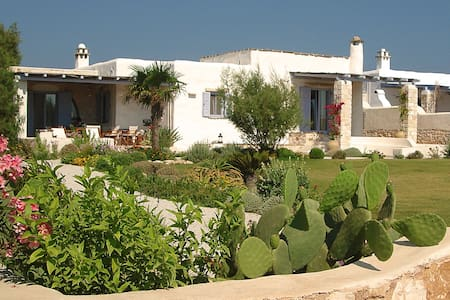 Villa Serenity - beauty, just steps from the beach