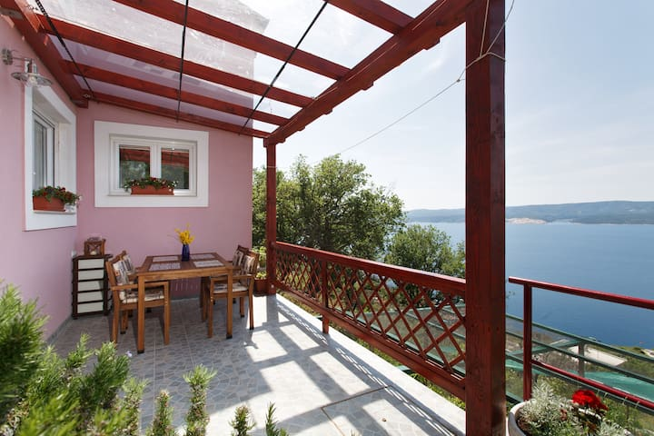 Private house for 4 in a old stone vilage - Lokva Rogoznica - House