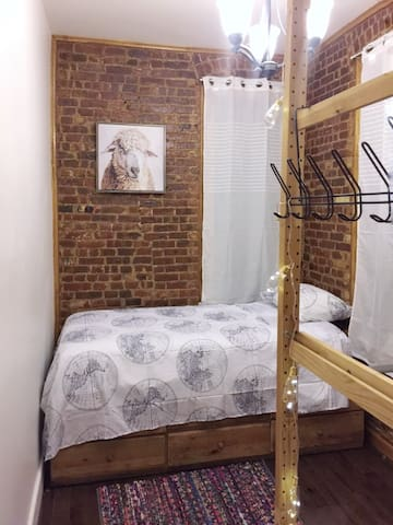 Cozy room in the best area! Affordable stay in NY!