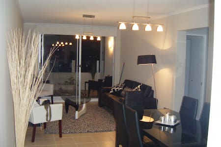 Room type: Entire home/apt Property type: Apartment Accommodates: 6 Bedrooms: 3 Bathrooms: 2