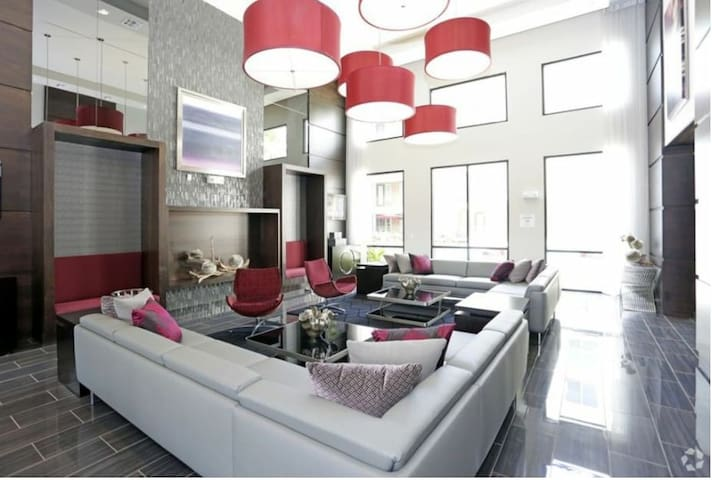 Beautiful Luxury Modern Home-Entire space