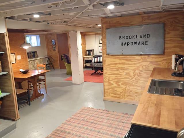 Boat-like studio apartment in Brookland - Washington - Departamento