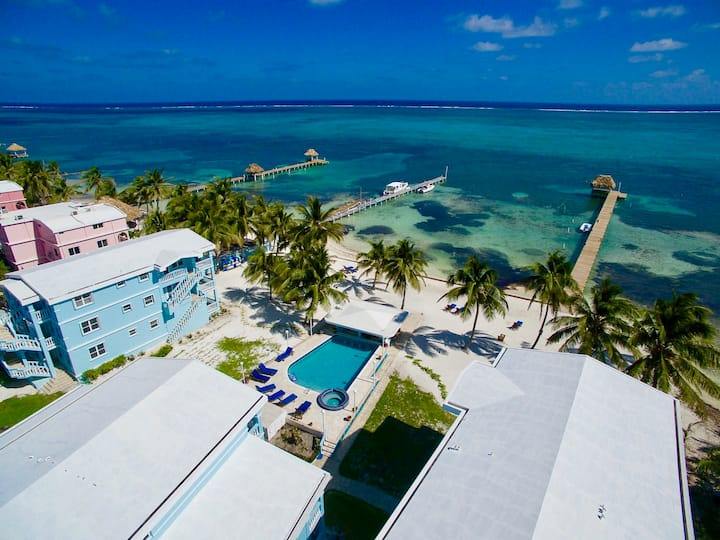Multiple beach condos-great for groups, weddings!