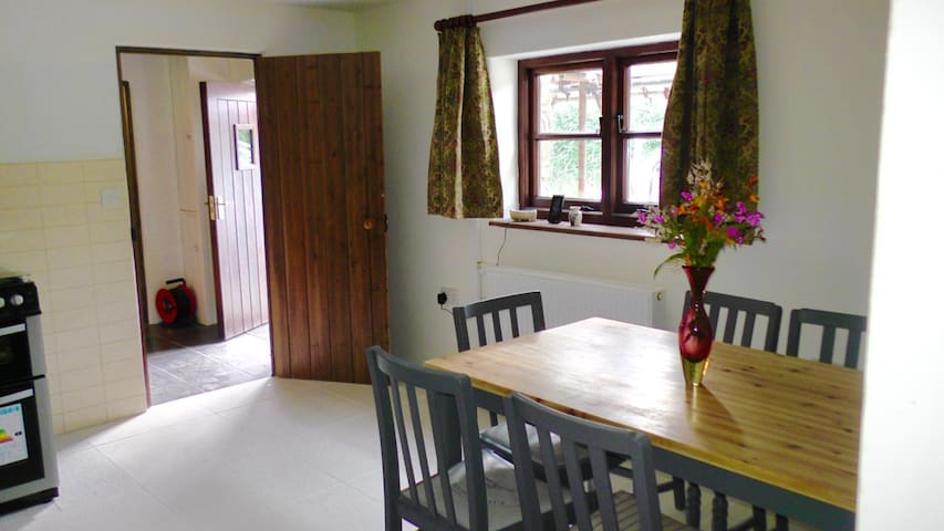 Tiled Kitchen floor and dinning area