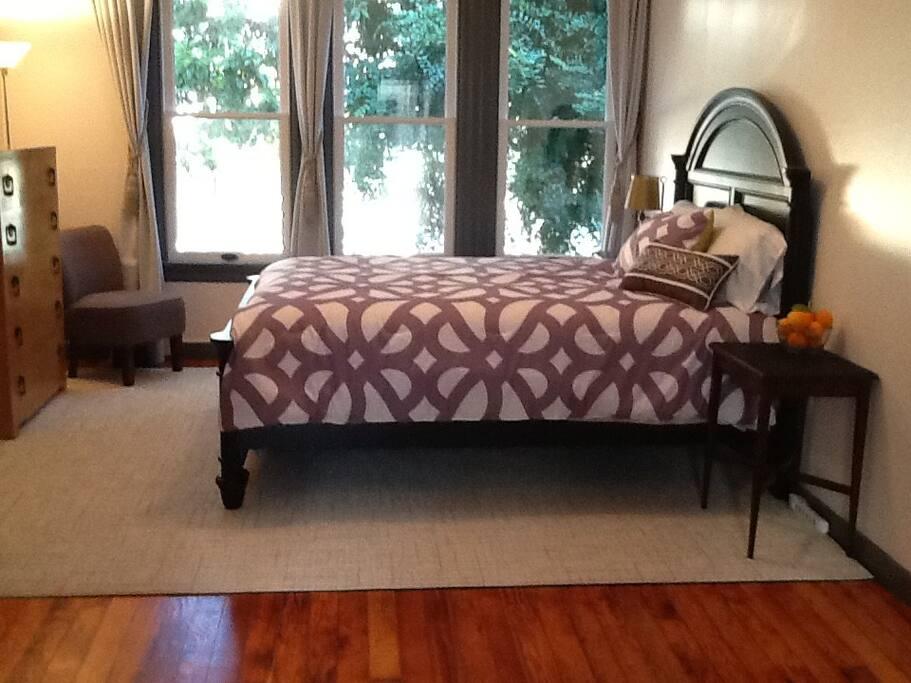 Queen bed ( almost new Beautyrest mattress ) and double pane Windows, big closet ( not shown)