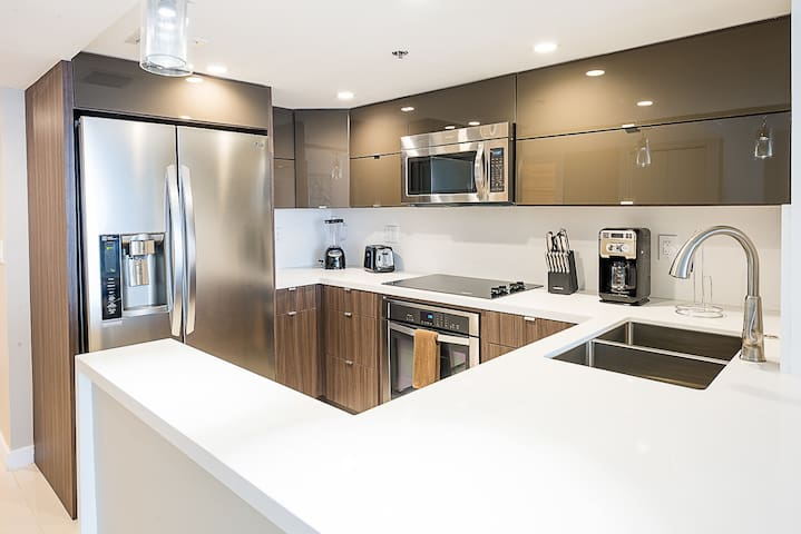 The Grand 3742 | 1bdrm/1.5bath |Free Valet Parking - Miami - Condominio