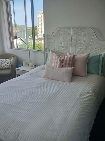 Private room close to the City and UNSW