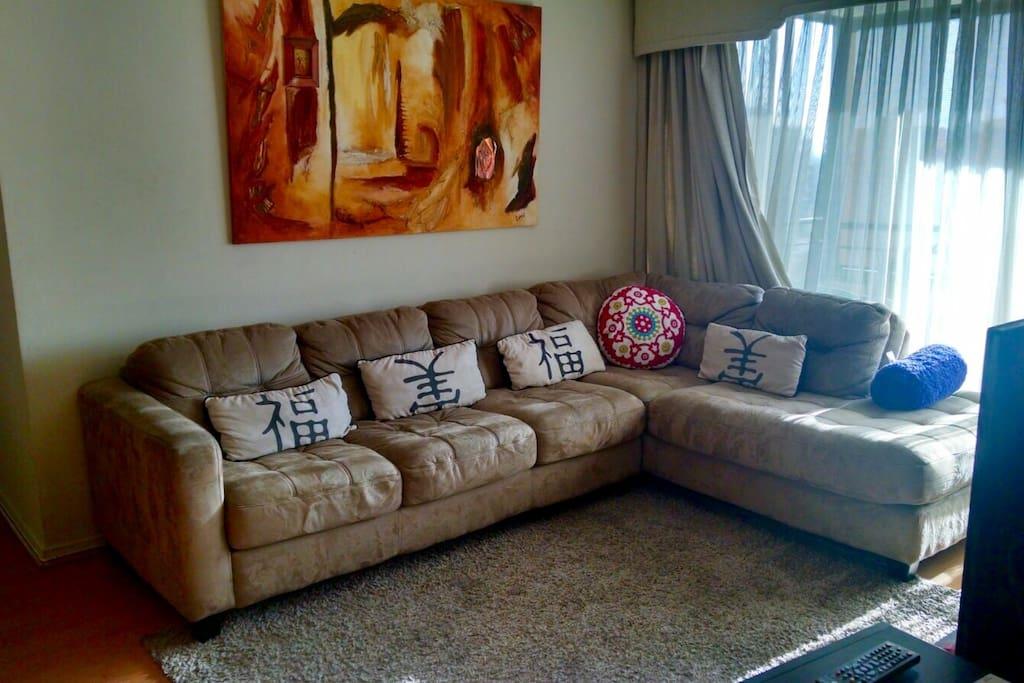 Sala con sofa de 4 cuerpos