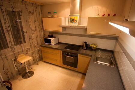 Очень просторные 4 комнатные апартаменты - Krasnoyarsk