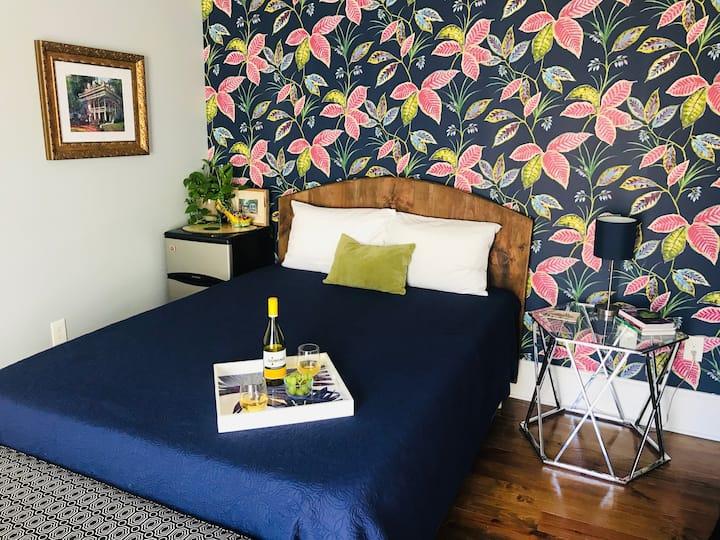 Botanical Suite + Gazebo Near French Quarter